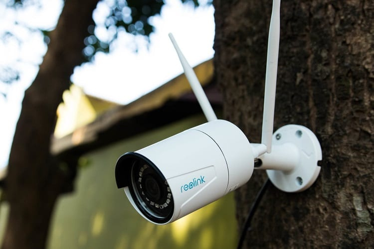 pros and cons of wifi cameras